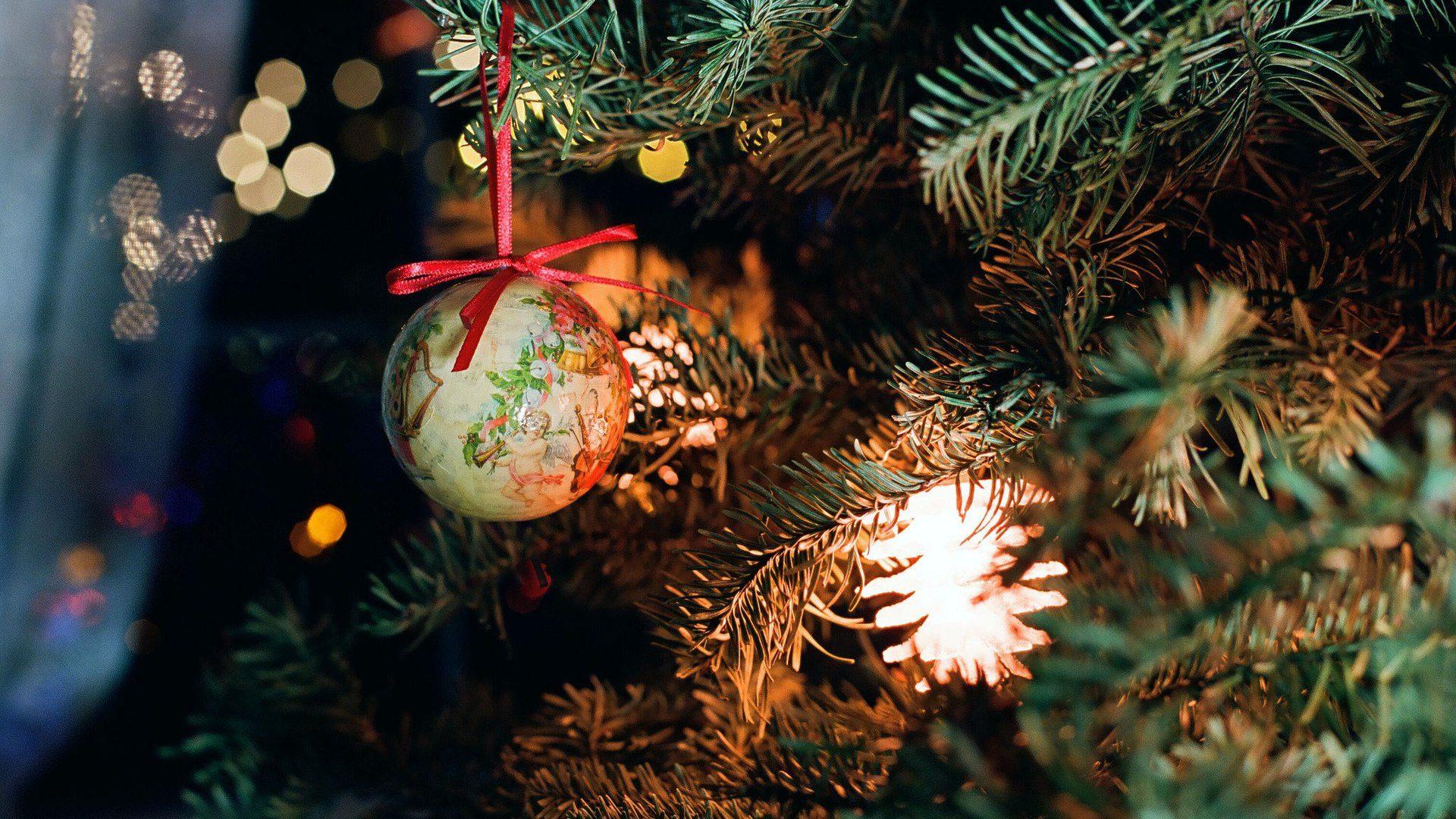 Decorative Image of Christmas Tree